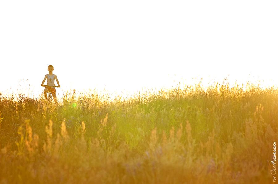 Sesja zdjęciowa w plenerze. Fotografia pod słońce.