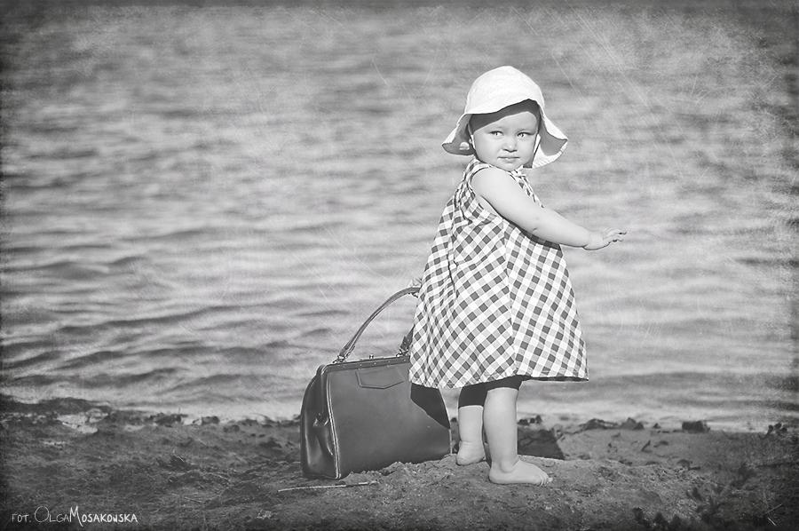 Profesjonalna sesja stylizowana dziecka. Jezioro w Olsztynie.