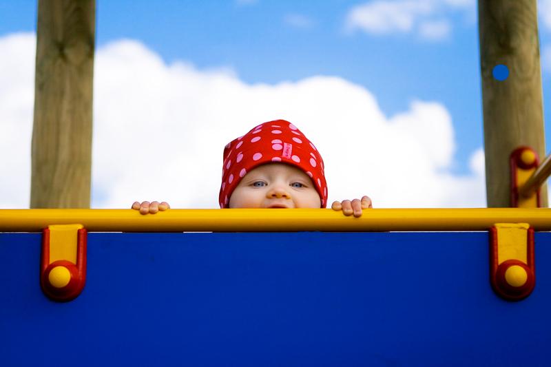 Fotografowanie dzieci na placu zabaw w Olsztynie.