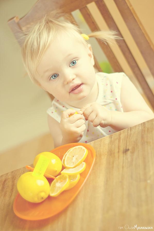 Portret małej dziewczynki, fotografia dziecięca w Olsztynie.